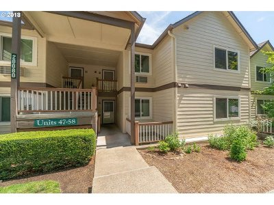 West Linn Condo/Townhouse For Sale: 20080 Larkspur Ln