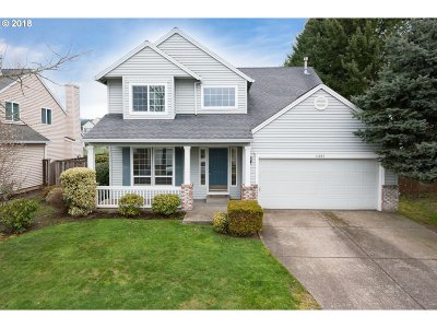 Milwaukie, Clackamas, Happy Valley Single Family Home For Sale: 14947 SE Paddington Rd