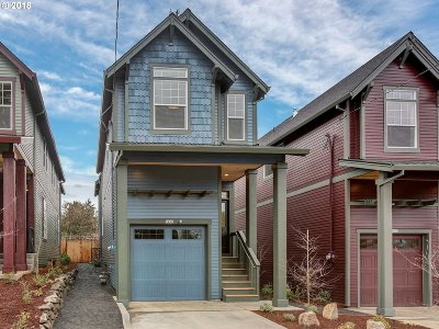Portland Single Family Home For Sale: 5459 NE 37th Ave