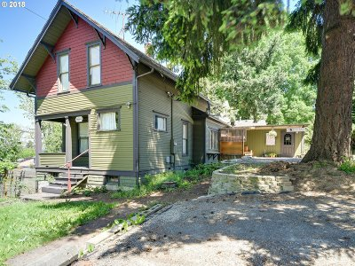 Oregon City Single Family Home For Sale: 151 Molalla Ave