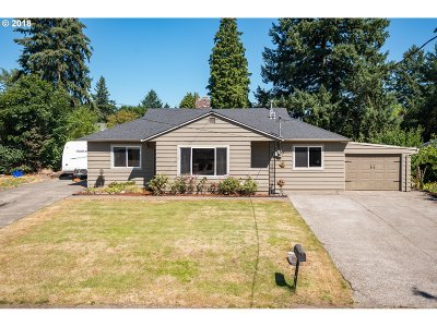 Oregon City Single Family Home For Sale: 178 Beverly Dr