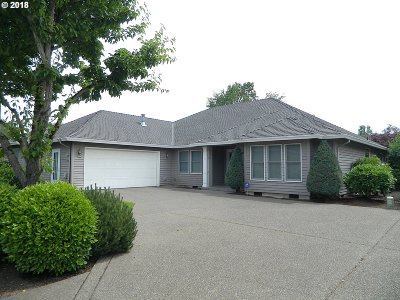 Woodburn Single Family Home For Sale: 2684 Hazelnut Dr