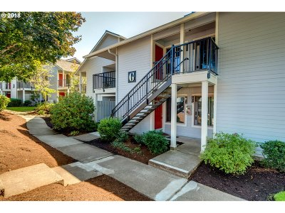 Clackamas County, Columbia County, Jefferson County, Linn County, Marion County, Multnomah County, Polk County, Washington County, Yamhill County Condo/Townhouse For Sale: 86 Kingsgate Rd #G202