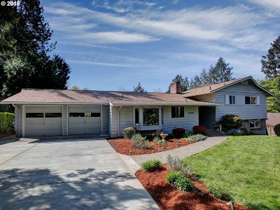 Single Family Home For Sale: 6940 SW Canby St