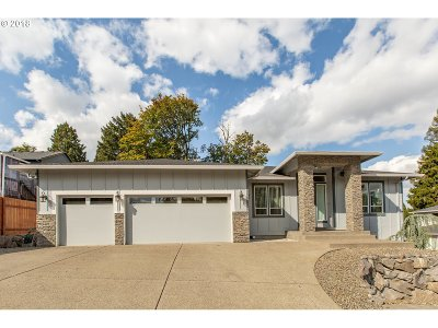 Milwaukie Single Family Home Bumpable Buyer: 14430 SE Upper Aldercrest Dr