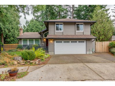 Gresham Single Family Home For Sale: 1700 NW 18th Ct