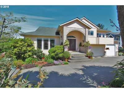 Coos Bay Single Family Home For Sale: 955 N 7th Rd