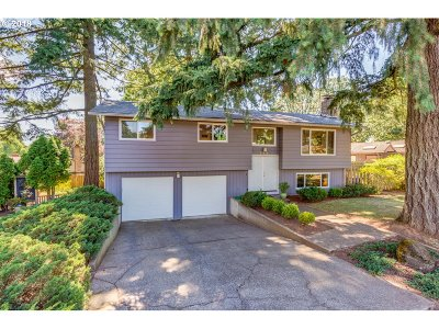 Oregon City Single Family Home For Sale: 303 Cherry Ave