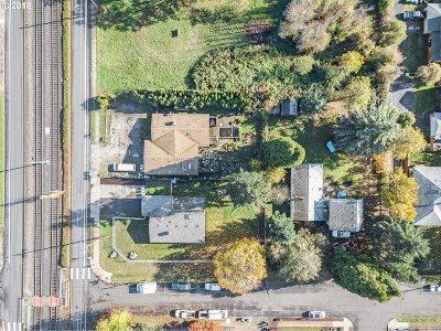 Single Family Home For Sale: 15724 E Burnside St