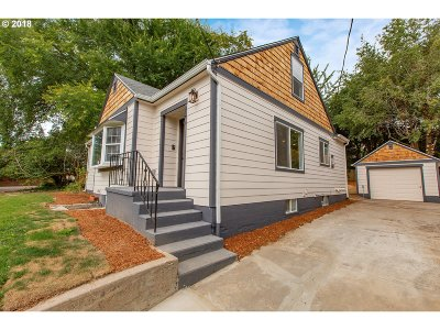 Gresham Single Family Home For Sale: 1107 NW 1st St