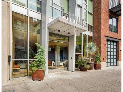 Milwaukie, Portland, Lake Oswego, Beaverton Condo/Townhouse For Sale: 922 NW 11th Ave #201