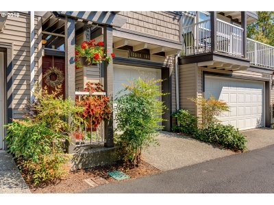 Condo/Townhouse For Sale: 13940 SW Scholls Ferry Rd #104