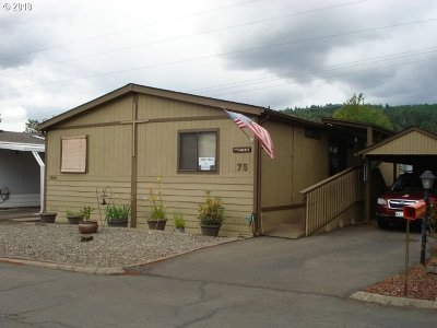 Sutherlin Single Family Home For Sale: 1200 E Central Ave #75