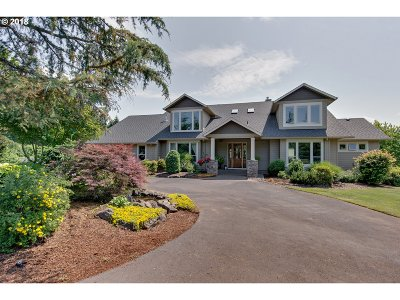 Multnomah County, Clackamas County, Washington County Single Family Home For Sale: 11253 SE Lavender Ln