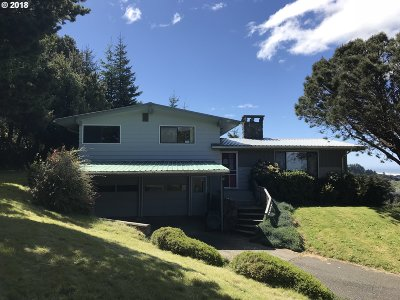 Gold Beach Single Family Home For Sale: 29825 Hound Dog Rd