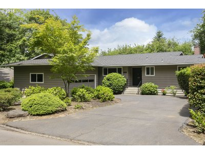 Lake Oswego Single Family Home For Sale: 1179 Larch St