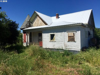 Cove OR Single Family Home For Sale: $60,000