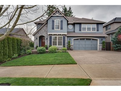 West Linn Single Family Home For Sale: 2293 Rogue Way