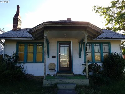 Medford Single Family Home For Sale: 116 Newtown St