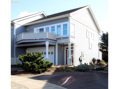 Bandon Single Family Home For Sale: 1359 Village Loop