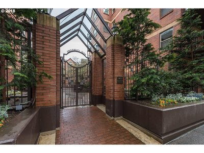 Condo/Townhouse For Sale: 1500 SW Park Ave #321