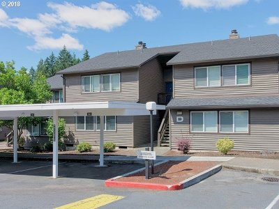 Beaverton Condo/Townhouse For Sale: 9455 SW 146th Ter #D-2