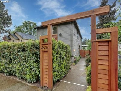 Lake Oswego Single Family Home For Sale: 4910 Lower Dr