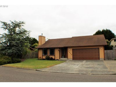 Coos Bay Single Family Home For Sale: 1275 Sanford