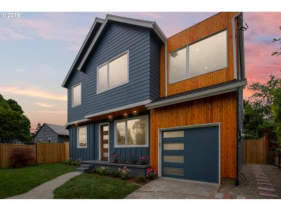 Single Family Home For Sale: 5540 NE Davis St
