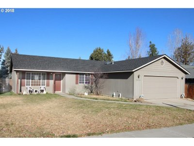 Bend Single Family Home For Sale: 20966 Spinnaker St