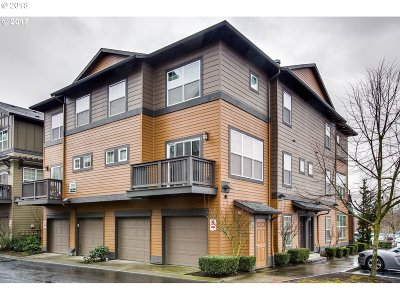 Beaverton Condo/Townhouse For Sale: 1140 SW 170th Ave #200