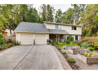 Single Family Home For Sale: 9630 SW Carriage Way