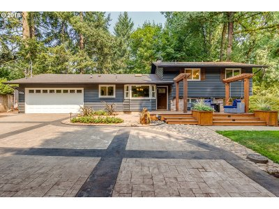 Lake Oswego Single Family Home For Sale: 5311 Childs Rd