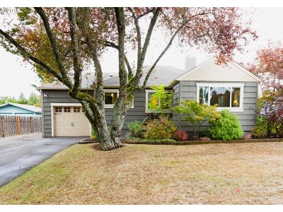 Portland Single Family Home For Sale: 5623 SW Taylors Ferry Rd