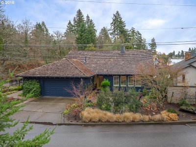 Lake Oswego Single Family Home For Sale: 841 Northshore Rd