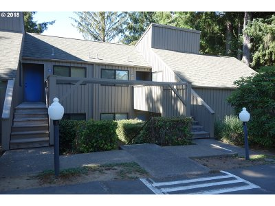 Lincoln City Condo/Townhouse For Sale: 5801 NE Voyage Ave #38