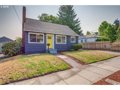 Portland Single Family Home For Sale: 236 SE 74th Ave