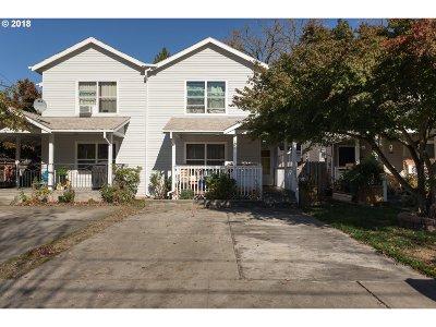 Single Family Home For Sale: 707 NE Church St