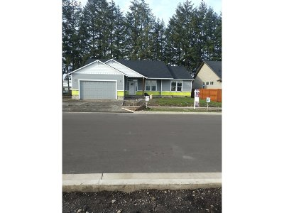 Stayton Single Family Home For Sale: 2235 Deer Ave