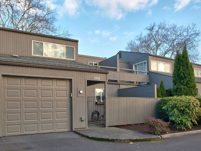 Beaverton Condo/Townhouse For Sale: 1519 NW Eastbrook Ct