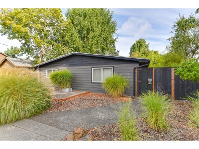Portland OR Multi Family Home For Sale: $499,900