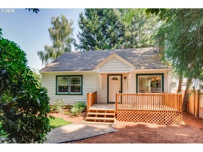 Milwaukie Single Family Home For Sale: 18710 SE River Rd