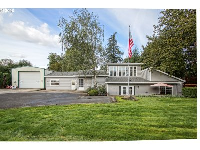 Newberg Single Family Home For Sale: 600 Wynooski St