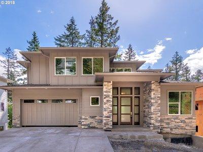 Portland Single Family Home For Sale: 4428 SW Ormandy Way