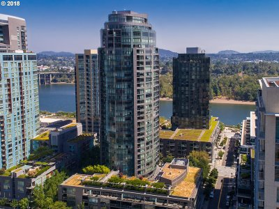 Portland Condo/Townhouse For Sale: 3601 SW River Pkwy #910