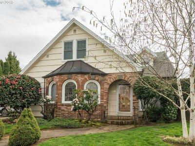 Single Family Home For Sale: 4514 E Burnside St