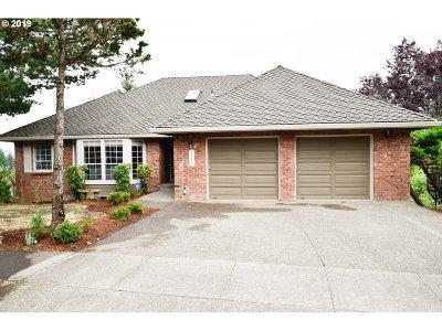 Beaverton Single Family Home For Sale: 11210 SW Chickadee Ter