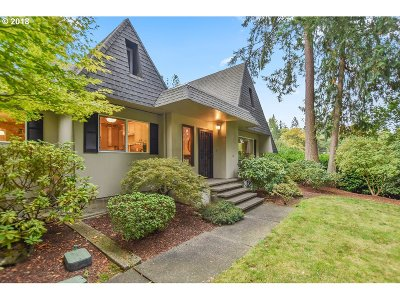 Cowlitz County Single Family Home For Sale: 3150 Pacific Way
