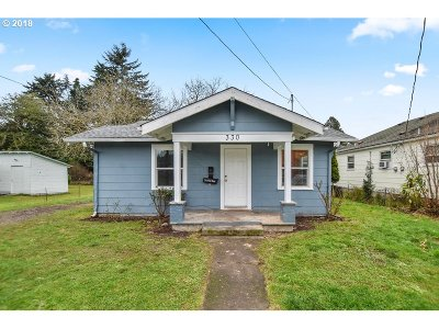 Cowlitz County Single Family Home For Sale: 330 NW 2nd Ave