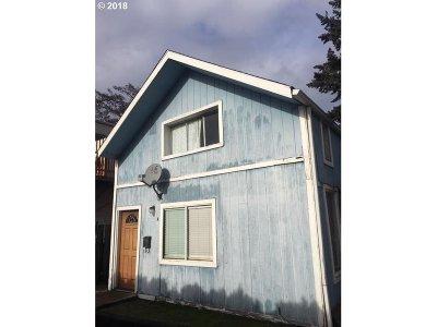 Portland Single Family Home For Sale: 6712 SE Pardee St #A